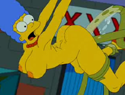Мардж Симпсон и инопланетяне играть